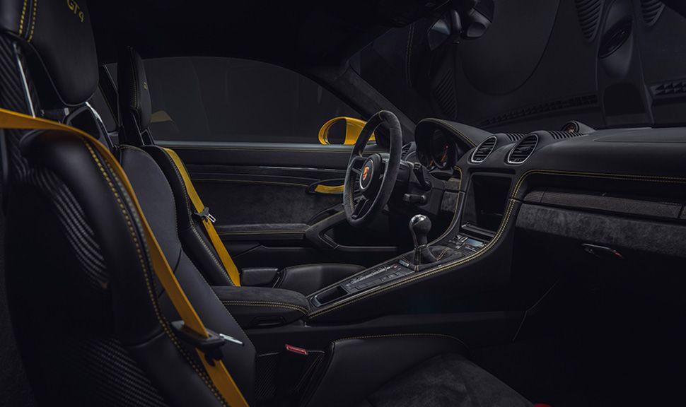 Innenraum des Porsche 718 Cayman GT4