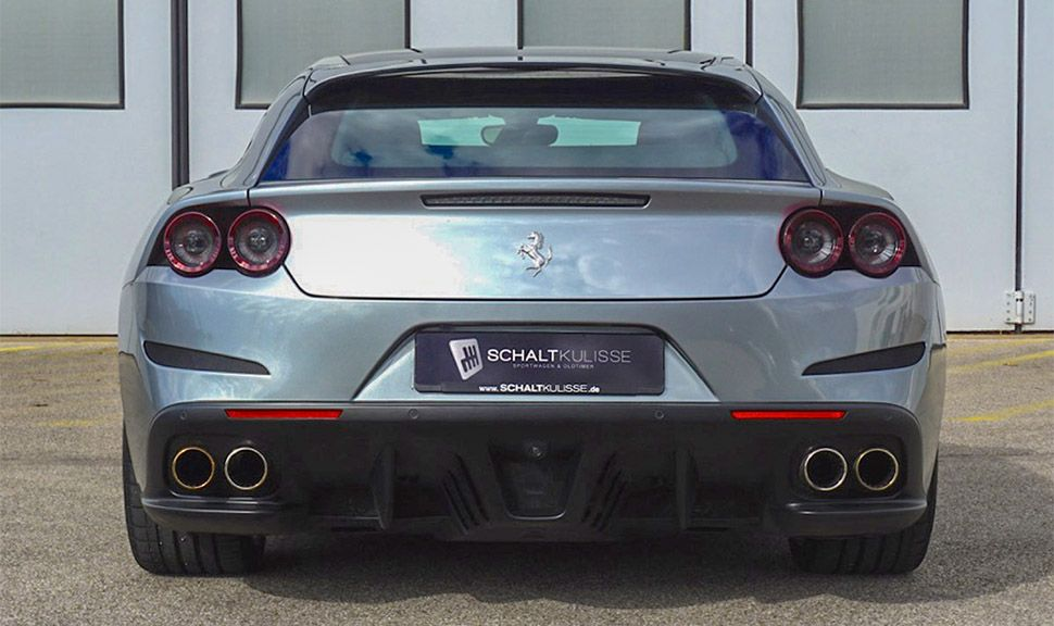 Ferrari GTC4Lusso T von hinten
