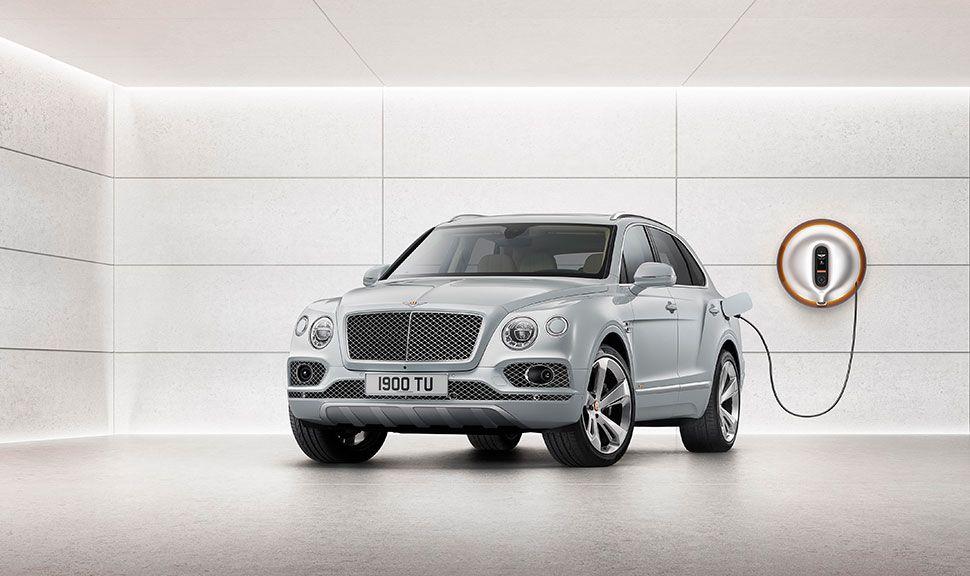 Bentley Bentayga Hybrid an der Steckdose