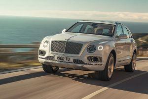 Bentley Bentayga Front des fahrenden Autos