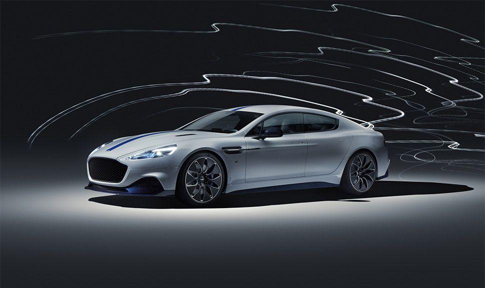 Aston Martin Rapide E Studioaufnahme von schräg links vorne