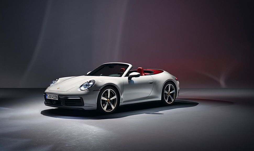 Porsche 911 Carrera Cabrio von schräg links vorne