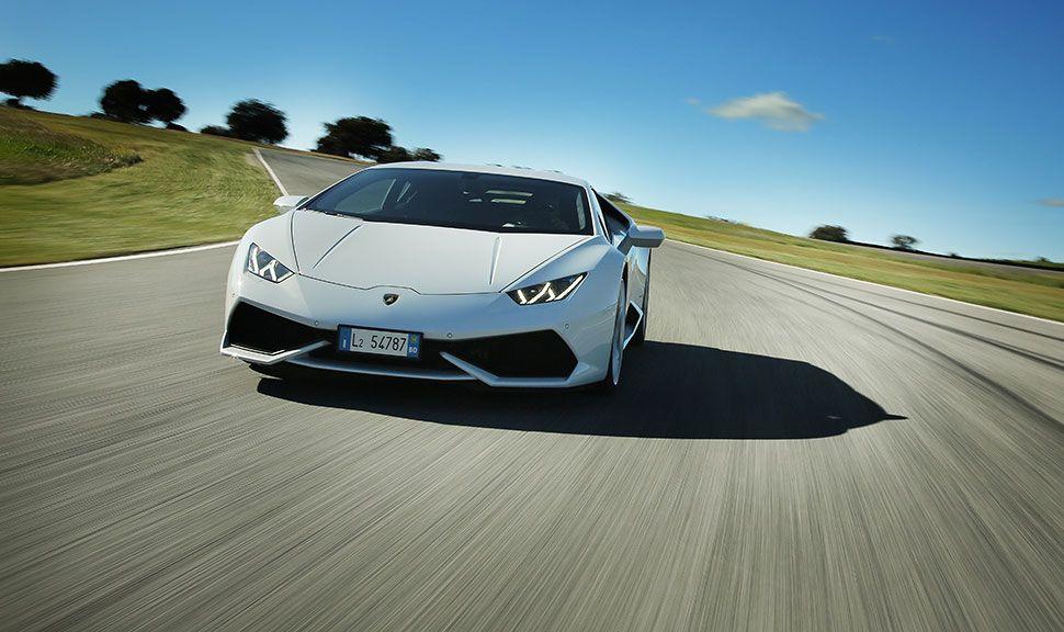 Lamborghini Huracan von vorne, fahrend