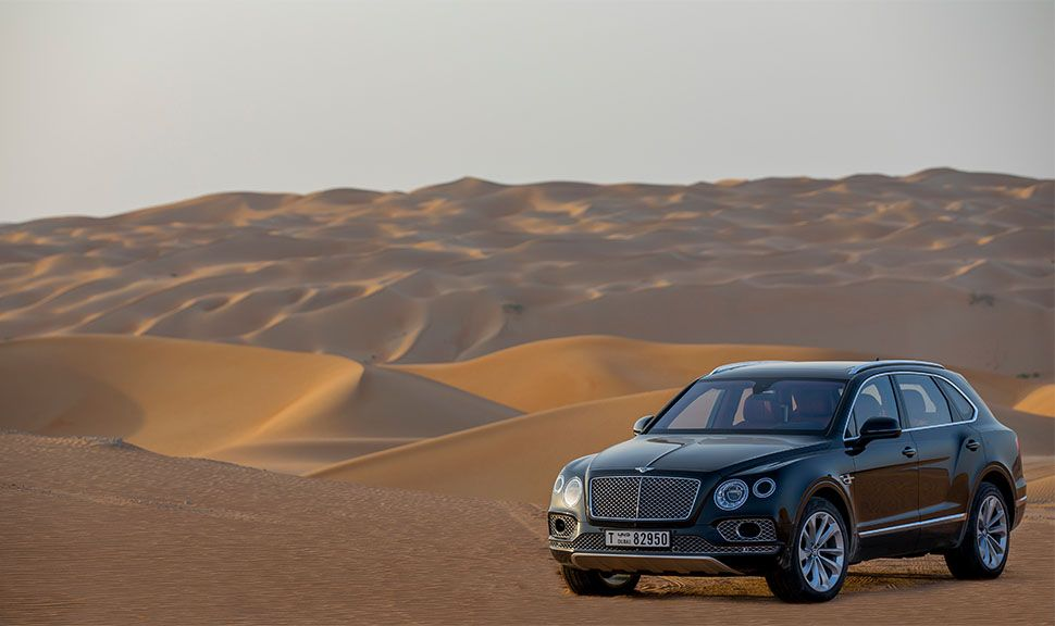 Bentley Bentayga in der Wüste