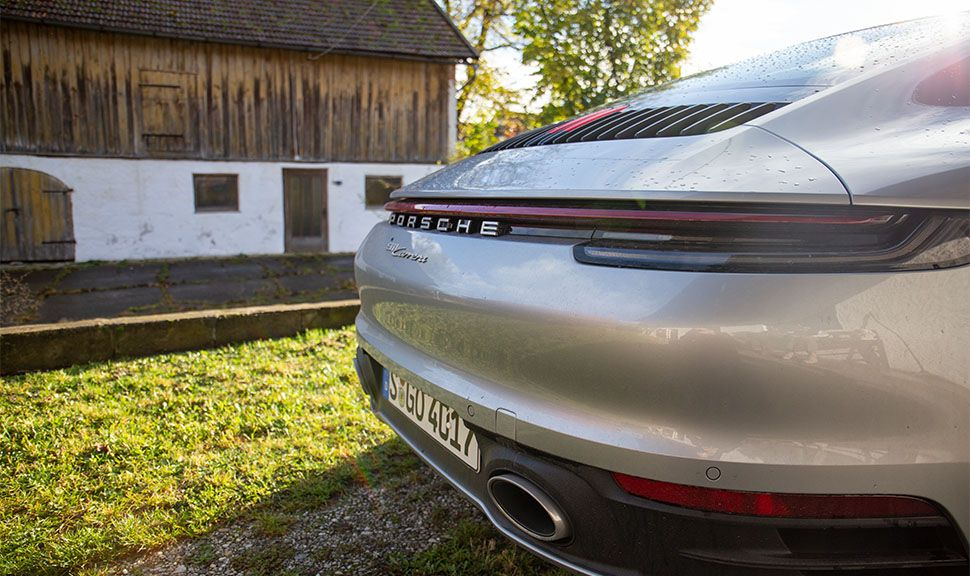 Porsche 911 Carrera Detailaufnahme Heck von schräg rechts hinten