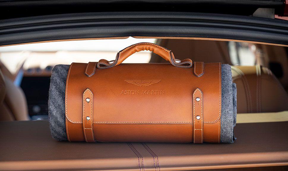 Aston Martin DBX Tasche