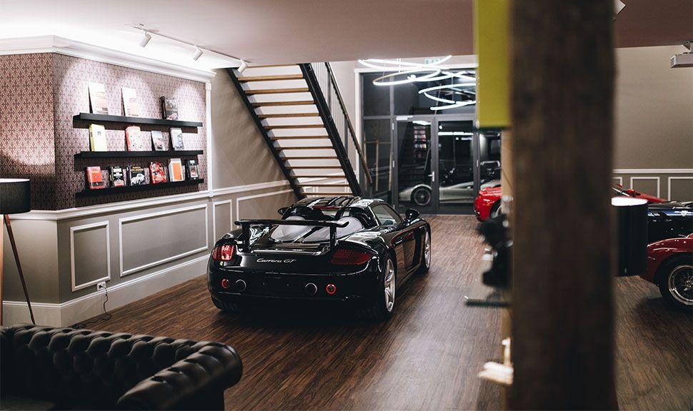 Porsche Carrera GT im Showroom der Schaltkulisse