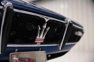 Kühlergrill eines Maserati Ghibli