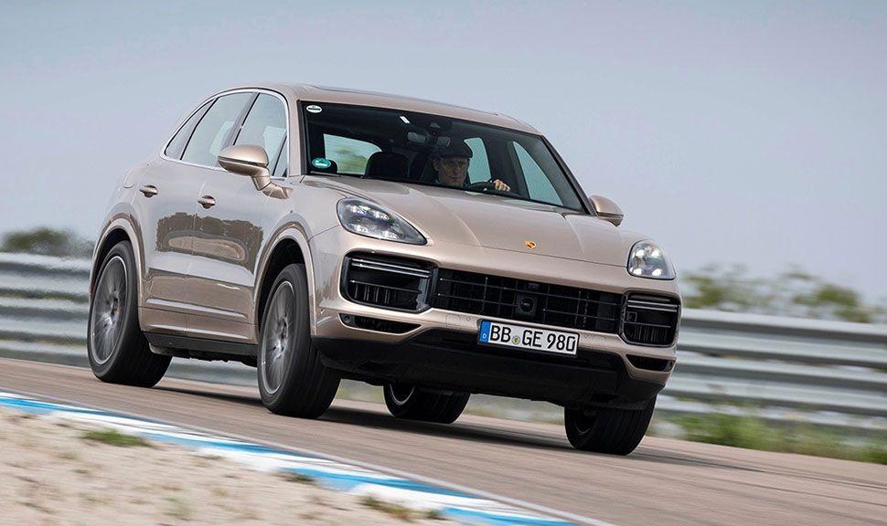 Porsche Cayenne auf der Rennstrecke