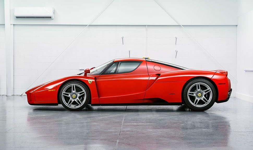 Ferrari Enzo Seitenansicht