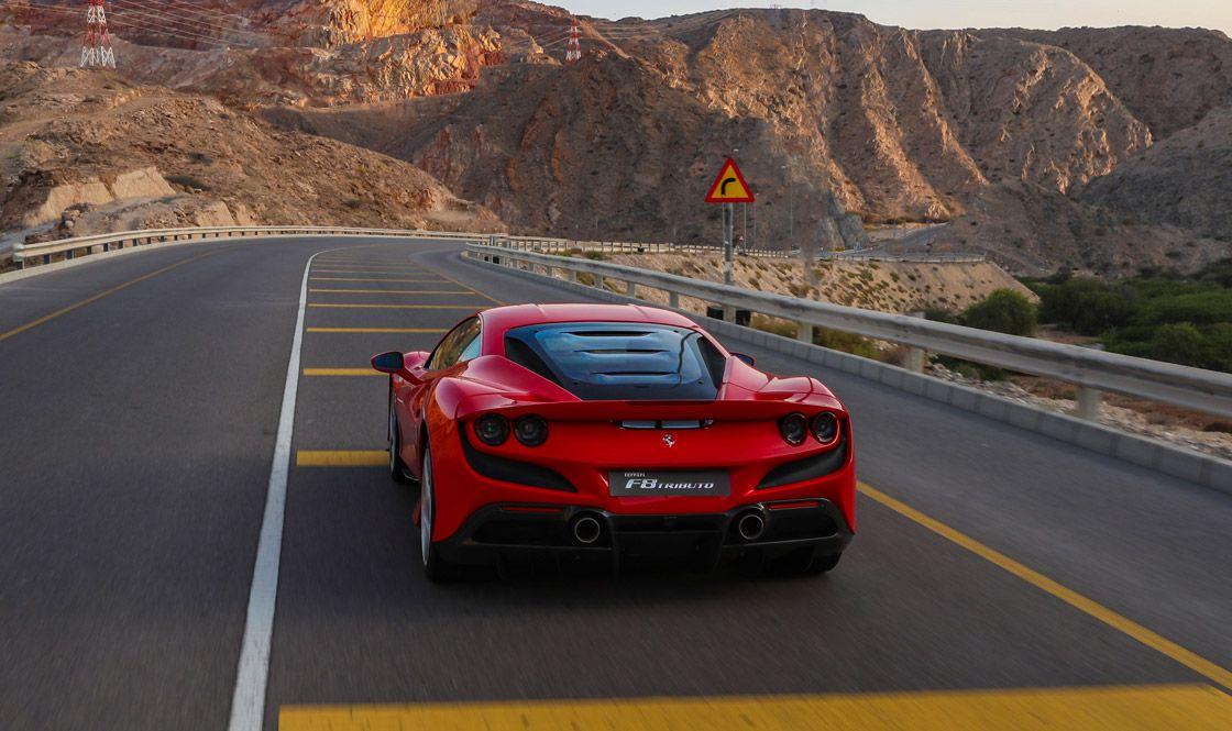 Ferrari F8 Tributo, Heckansicht, fahrend, rot