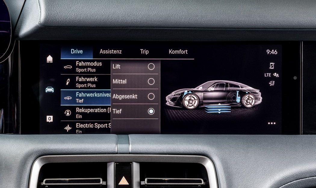 Porsche Taycan, Nahaufnahme Display mit Sport-Modi