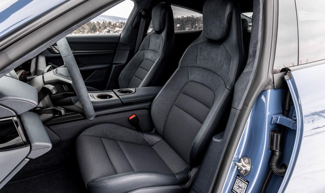 Porsche Taycan, Seitenansicht ins Cockpit, B-Säule